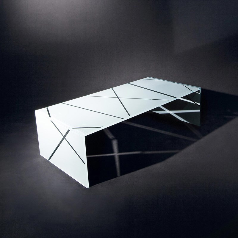 Glass cocktail table NIC by DREIECK DESIGN: OPTIWHITE color pure white - lines clear