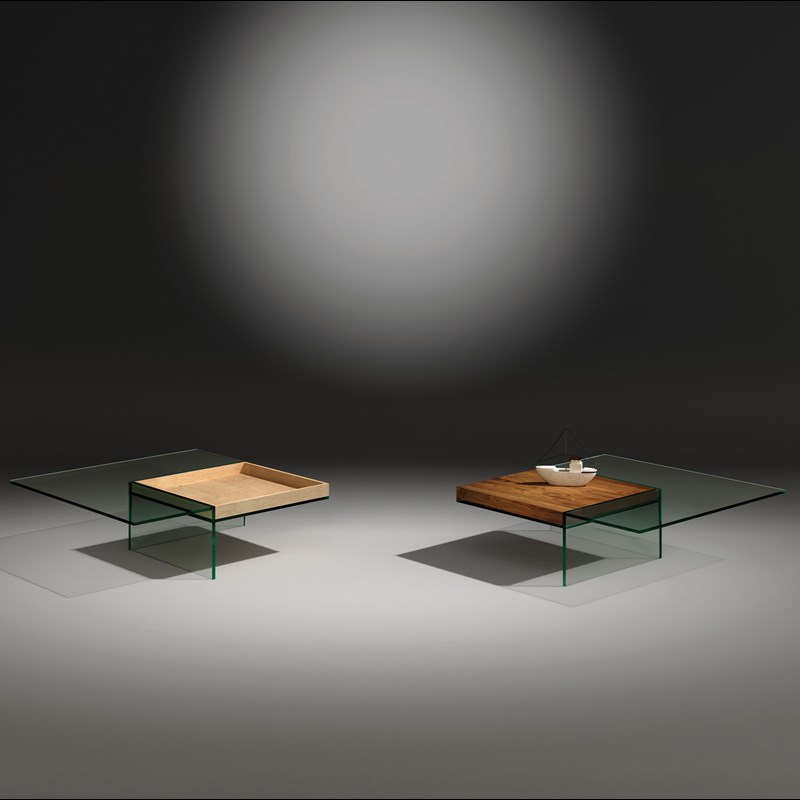 Glass cocktail table SERVA by DREIECK DESIGN: SERVA 97 - floatglass - tray oak + walnut