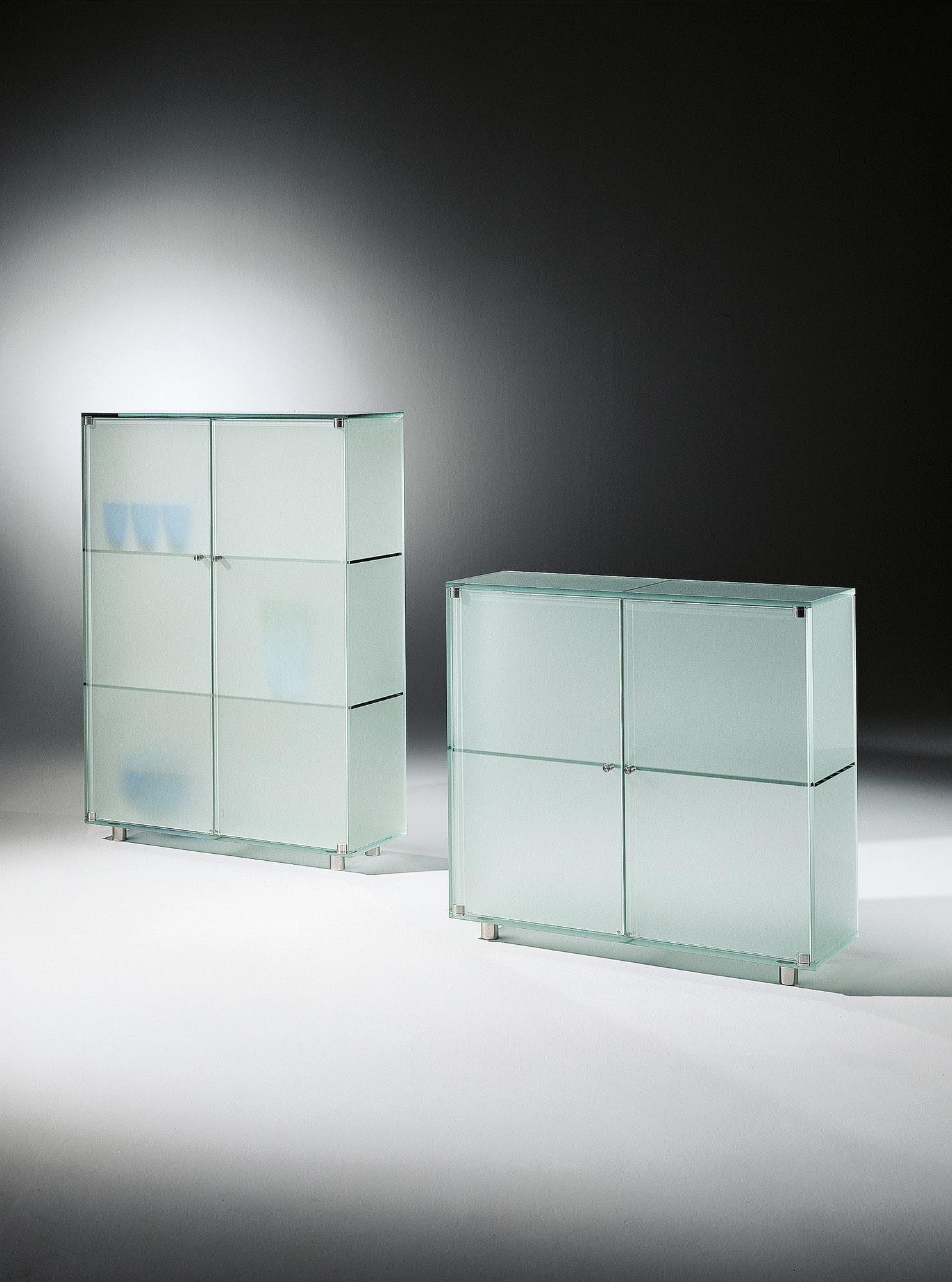 Buy High Quality Glass Showcase From Dreieck Design Shine