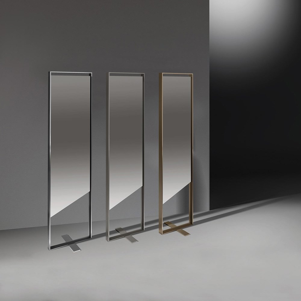 Design your hallway with the designer standing mirror GIOLINA from DREIECK DESIGN